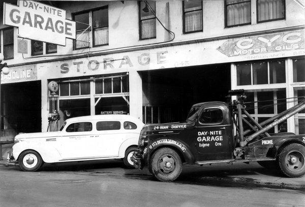Day-Nite Garage, ambulance, tow truck - Eugene, Oregon 1939 9