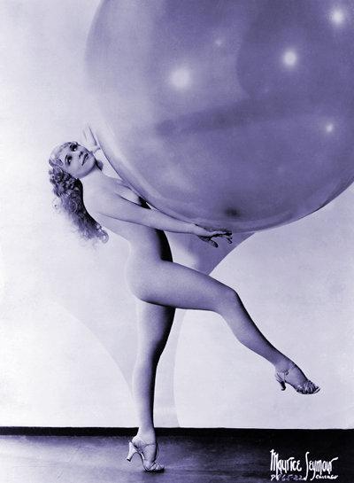 Sally Rand, leggy with balloon