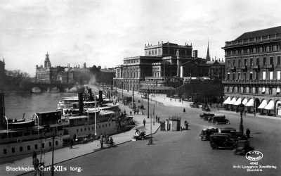 Postcard photo - King Carl XII's Square, Stockholm (small)